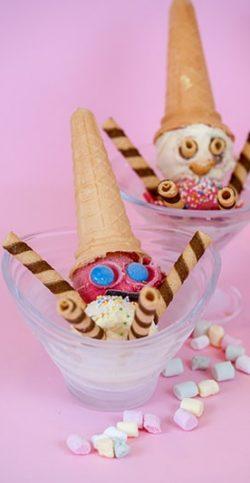 GYERMEK KEHELY 2 gombóc fagylalt, tejszínhab, bohóc dekoráció